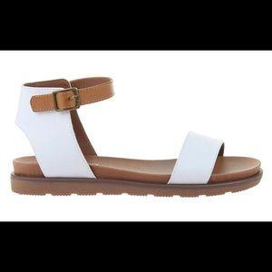 NEW Madeline Girl Starling sandals white & tan